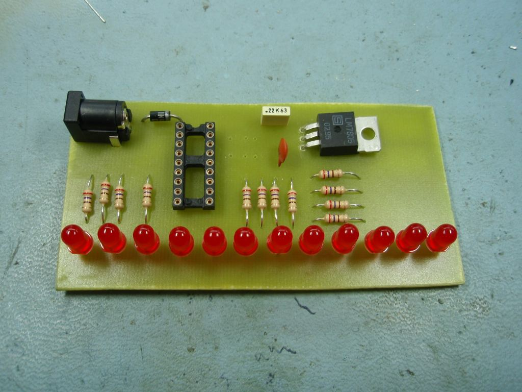 Led Chaser Circuit Board Artwork Stripboard And Breadboard Layout Pcb Without Crystal Or Load Capcitors Fitted